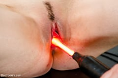 Bobbi Starr - Fresh Faced 19 year old Opens up for Electrosex! (Thumb 13)