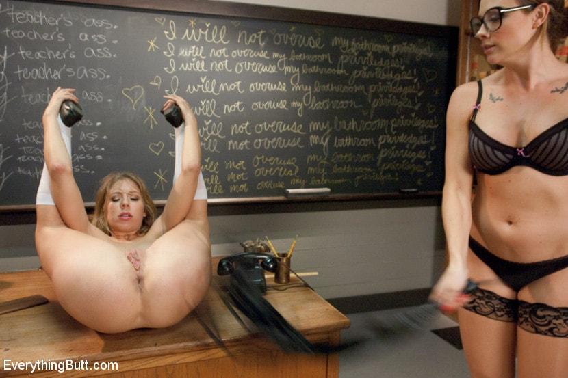 Фото голой училки лесбиянки 4883 фотография