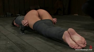 Gia DiMarco - If you have a perfect ass and get mummified with your ass sticking up You're going to get fucked