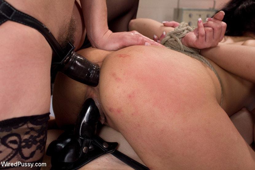 black milfs sucking dick