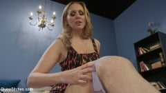 Julia Ann - Mommy's Little Pervert (Thumb 05)