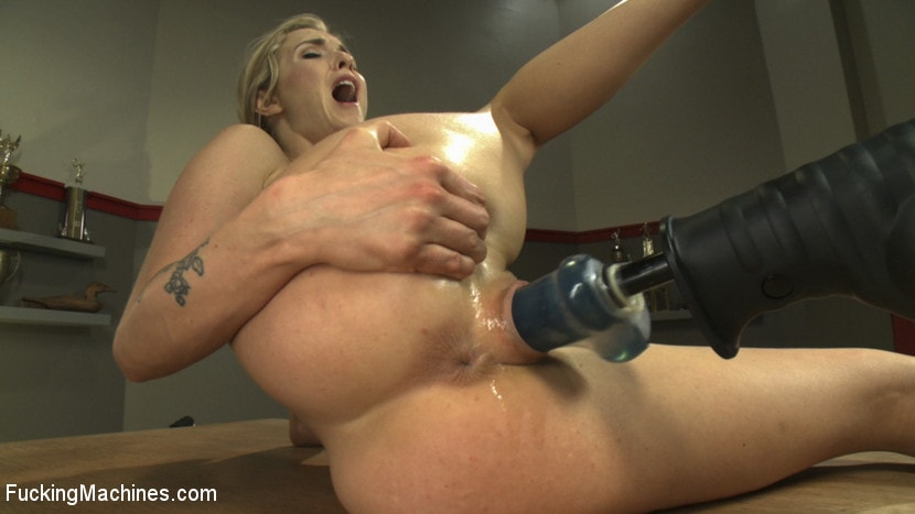 Kink 'We MAKE her SQUIRT.' starring Karla Kush (photo 14)