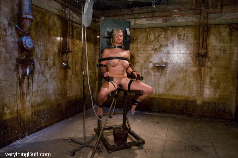 порно-клизма пытки