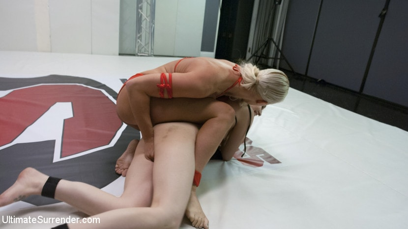 Kink 'Blonde Pain slut and all Natural brunette battle in a sex fight' starring London River (photo 9)