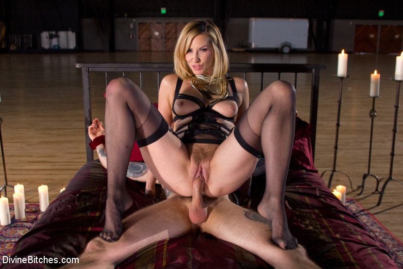 Goddess vanessa cage wants you to jerk off 1