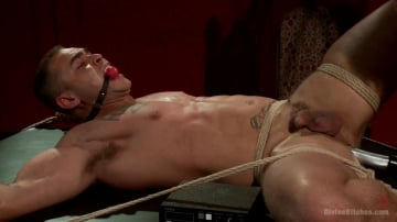 Mona Wales - ELECTRO FEMDOM: Mona Wales Electrically Teases and Tortures Slave Boy