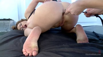Mz Berlin - Huge Tits and Electro Anal Fuckfest LIVE!