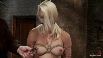 Natasha Lyn - Local amateur girl in her first hardcore bondage shoot Reverse Prayer, flogged her perfect ass.