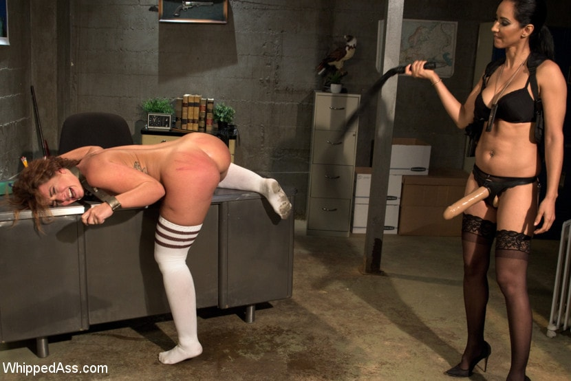 Kink 'Sadistic Lesbian Prison: Squirting, anal and fisting!' starring Savannah Fox (photo 7)
