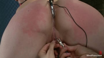 Sloane Soleil - Cute Local Model Cums Hard from Electricity Pulsing Through her Clit