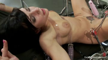 Tori Lux - Earth Girls are Easy To Make Cum