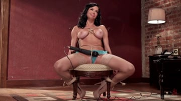Veronica Avluv - Nympho Anal MILF Double Penetration Squirt Fest