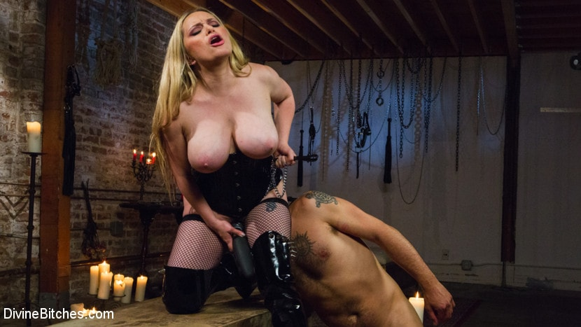 Kink 'Construction Workers Sexy Lunch Break Turns Into First Anal Fisting' starring Aiden Starr (Photo 10)
