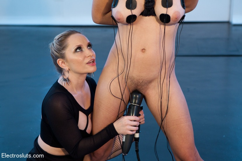 Kink 'Electrosex Fucking' starring Aiden Starr (Photo 13)