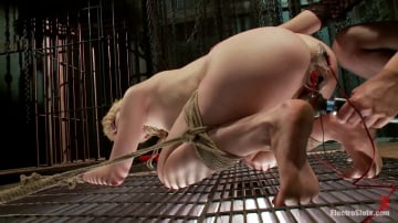 Alani Pi - Electric Chains Keeps her Captive