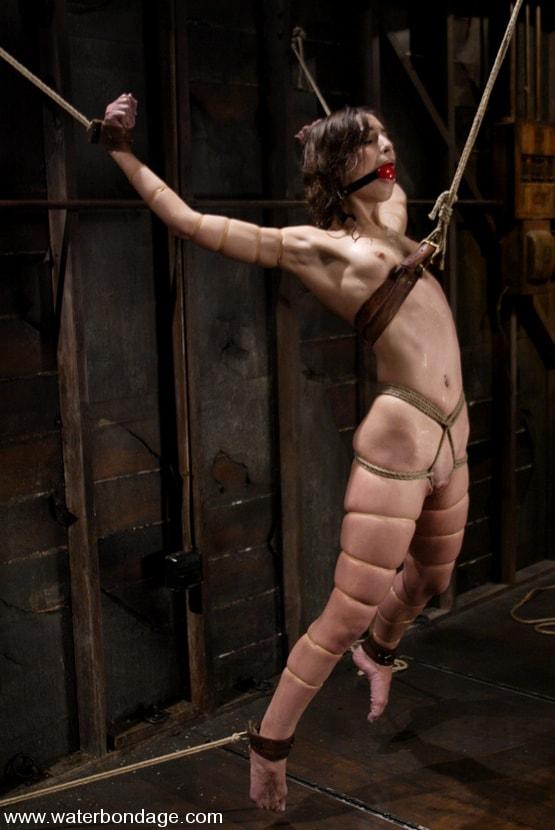 Kink 'Amber Rayne' starring Amber Rayne (Photo 11)