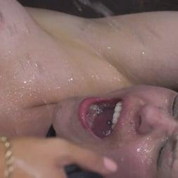 Amirah Adara in 'Kink' Hungary for Lucia Love (Thumbnail 30)