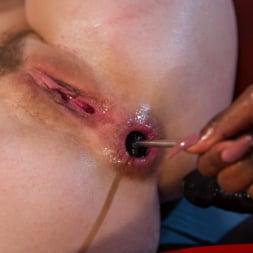 Ana Foxxx in 'Kink' Ella Nova Desperately Needs Anal Lesbian Medical Therapy (Thumbnail 17)