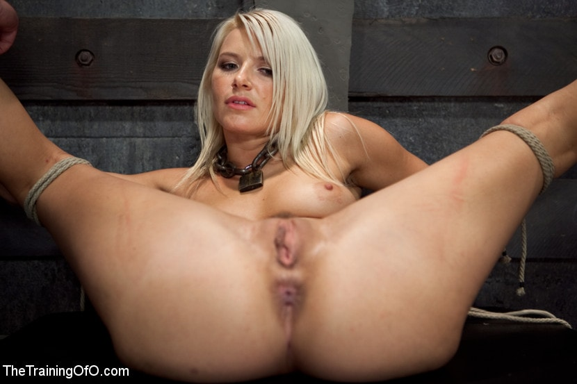 Kink 'Opening up Anikka Albrite: Day Two' starring Anikka Albrite (Photo 3)