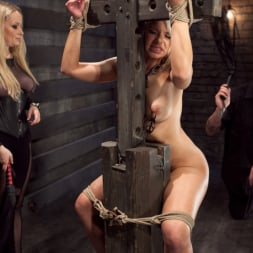Anikka Albrite in 'Kink' Opening up Anikka Albrite: Day Two (Thumbnail 13)