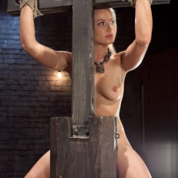 Anikka Albrite in 'Kink' Opening up Anikka Albrite: Day Two (Thumbnail 24)