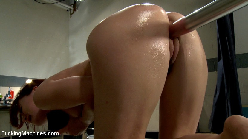 Kink 'The Princess and The Machines The Girl Next Door Never Thought Her Pussy Could Stretch So Much' starring AnnaBelle Lee (Photo 18)