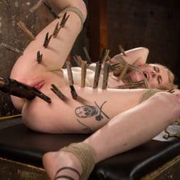 Anna Tyler に 'Kink' 残忍なボンデージでブロンドの痛みと苦痛を受ける (サムネイル 11)