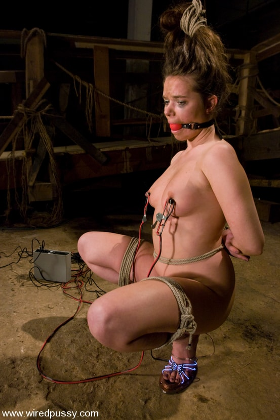 Kink 'Devaun' starring Annette Schwarz (Photo 5)