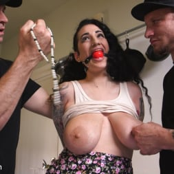 Arabelle Raphael in 'Kink' Domestic Training: Arabelle Raphael (Thumbnail 3)