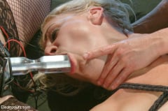 Ariel X - Blonde Bombshell Extreme Squirting and Electrosex LIVE! (Thumb 05)