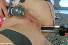 Ariel X - Blonde Bombshell Extreme Squirting and Electrosex LIVE! (Thumb 15)