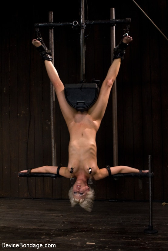 Kink 'Double Inverted Sybian Suspension' starring Ariel X (Photo 9)