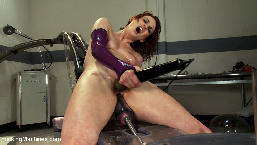 Kink 'Alien Laboratory and Sci-Fi Machine Fucking' starring Audrey Lords (Photo 6)