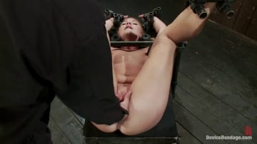 Aurora Snow - Porn's Youngest Legend Gets Machine Fucked in the Ass