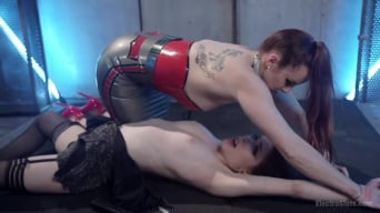 Bella Rossi に 'Electrosexes 18 year old anal slut!'