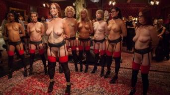 Bella Rossi に 'ナイス・スレーブ、100人の角質ゲスト、第1部との大舞踏パーティー'