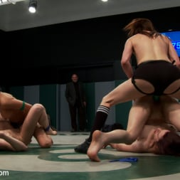 Beretta James in 'Kink' 5 girl squirt fest! Losers get dominated by the winners AND the ref!!! (Thumbnail 7)