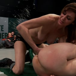 Beretta James in 'Kink' 5 girl squirt fest! Losers get dominated by the winners AND the ref!!! (Thumbnail 12)