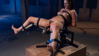 Bobbi Starr in 'returns'