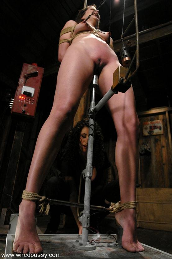 Kink 'Bobbi Starr' starring Bobbi Starr (Photo 3)