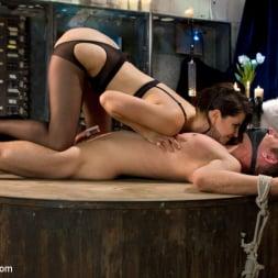Bobbi Starr in 'Kink' Danny Wylde gets his prostate milked by Bobbi Starr! (Thumbnail 2)