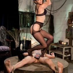 Bobbi Starr in 'Kink' Danny Wylde gets his prostate milked by Bobbi Starr! (Thumbnail 5)