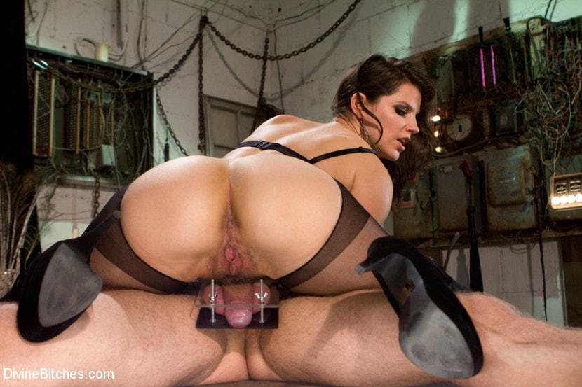 Kink 'Danny Wylde gets his prostate milked by Bobbi Starr!' starring Bobbi Starr (Photo 17)
