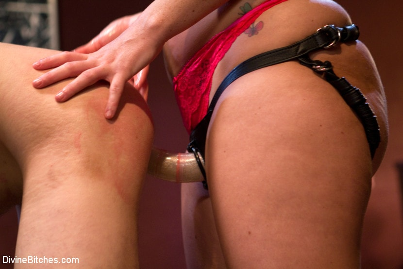 Kink 'Eat your way through his cum to your chastity key, cuck!' starring Jessie Sparkles (Photo 18)