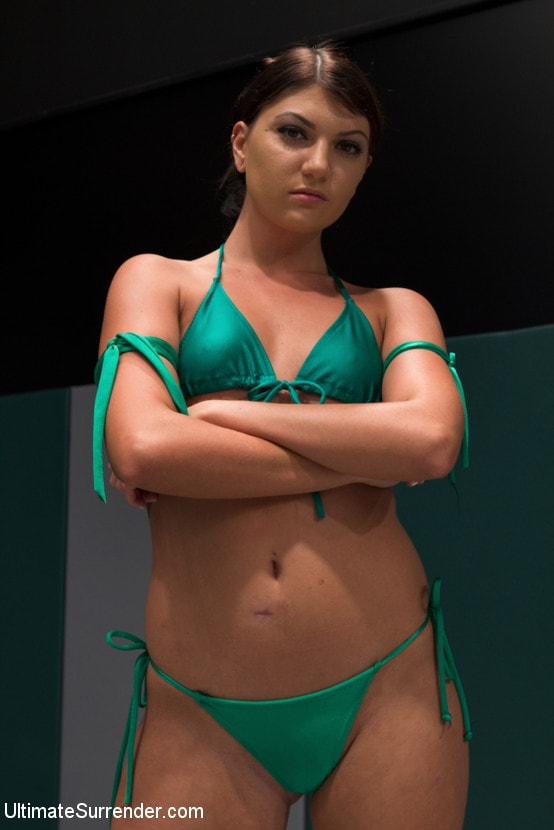 Kink 'FEATHERWEIGHTS get hot and messy on the mat.' starring Cassandra Nix (Photo 1)