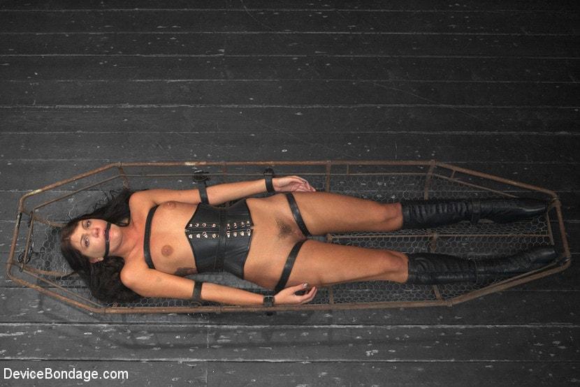 Kink 'Tough As Nails - Cassandra Nix' starring Cassandra Nix (Photo 13)