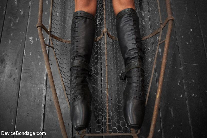 Kink 'Tough As Nails - Cassandra Nix' starring Cassandra Nix (Photo 20)