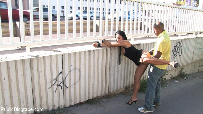 Kink 'Ass fucking and cock sucking in public!' starring Cassie (Photo 8)