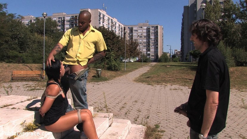 Kink 'Ass fucking and cock sucking in public!' starring Cassie (Photo 10)