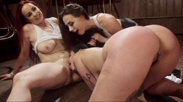Chanel Preston - Dyke Bar 4: Wet T-shirt Contest!